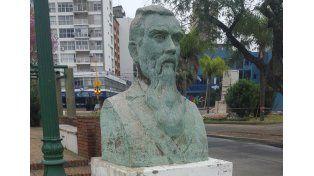 Restaurarán el busto de Leandro N. Alem