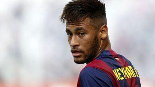Neymar hizo delirar a todos con su bicicleta
