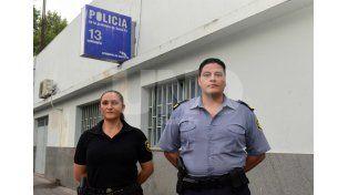Policías colaboraron en un parto que se dio en la vía pública