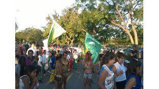 Al ritmo. La murga del barrio se está preparando para hacer bailar a todos los vecinos de Alto Verde.