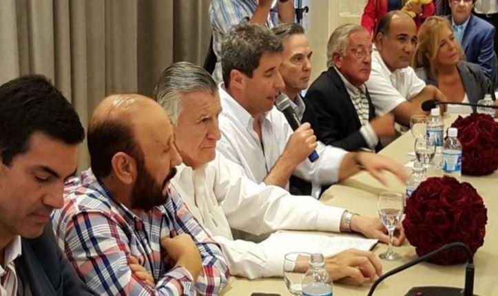 Los mandatarios pidieron al presidente Macri que no privilegie a la ciudad de Buenos Aires.