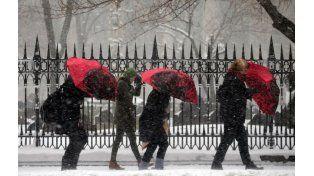 El Servicio Meteorológico estimó entre 50 y 63 centímetros de nieve que caerá sobre Nueva York.