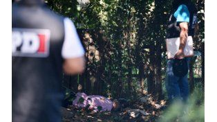 En los yuyos. A Esquivel le asestaron tres disparos en la cabeza y por la espalda.