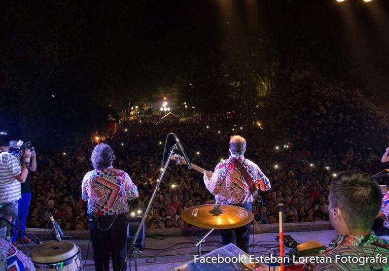 Los Palmeras estuvieron en la primer noche de apertura de la Fiesta.