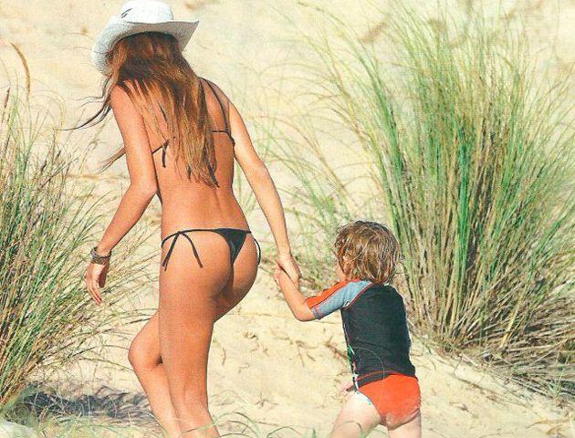 Pampita da que hablar en Punta con su diminuta bikini