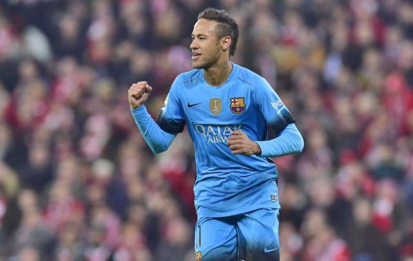 Grito de gol. El brasileño Neymar festeja el segundo de los catalanes.