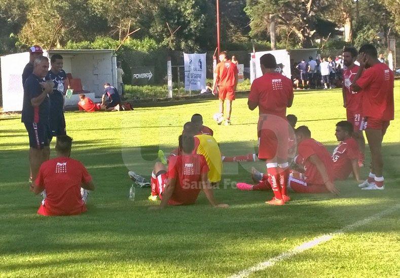Unión perdió con Olimpo un amistoso en Mar del Plata