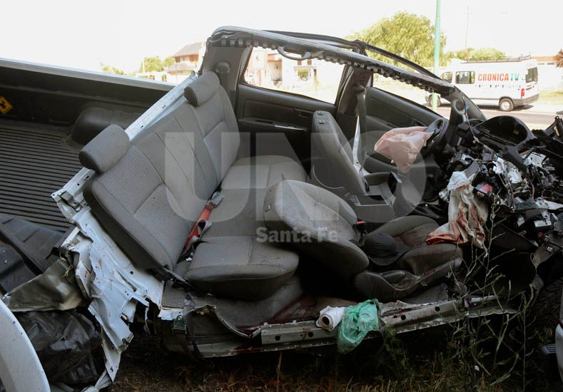 Así quedó la camioneta Toyota Hilux.