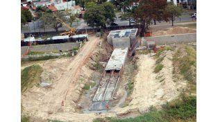 Plan Norte: el Intendente y el Gobernador recorren la obra del desagüe Larrea