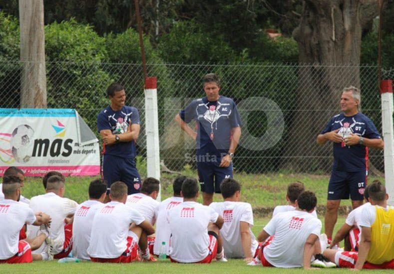 Leonardo Madelón pretende que lleguen más jugadores en el mediocampo de neto corte ofensivo.