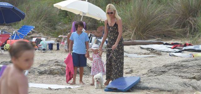 Valeria Mazza disfruta de las playas de Punta junto a sus hijos