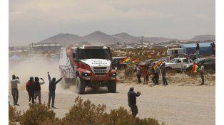Argentinos obtienen el tercer lugar en el rally en la categoría camiones