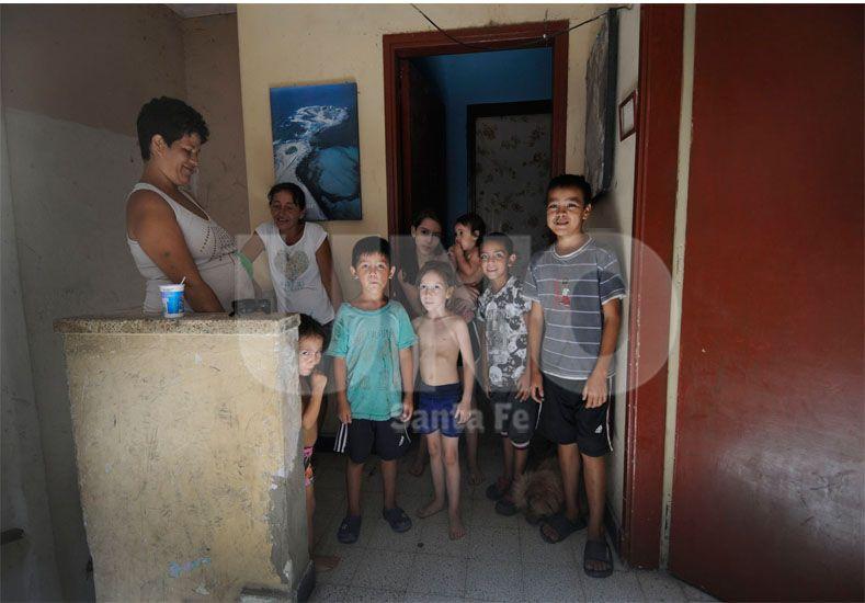 En pleno centro. Se trata de varias familias en situación de vulnerabilidad social / Foto: Juan Manuel Baialardo - Uno Santa Fe