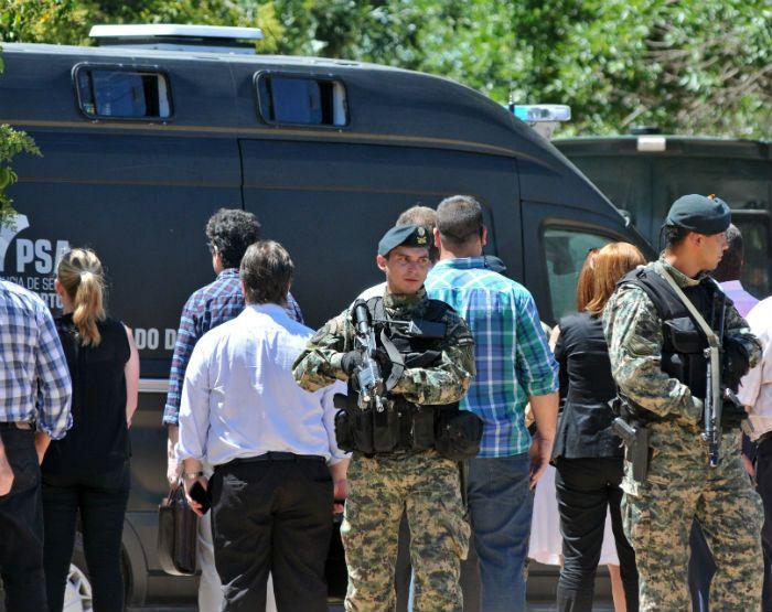 Los evadidos fueron trasladados a Buenos Aires en medio de un fuerte operativo de seguridad.
