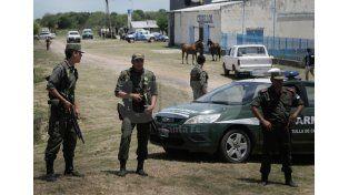 Los prófugos fueron capturados en una arrocera./ Juan M. Baialardo.