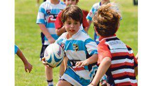 Pibes. La formación es uno de los fundamentos primordiales para los chicos que sueñan con llegar a Primera. Gentileza/Franco Perego