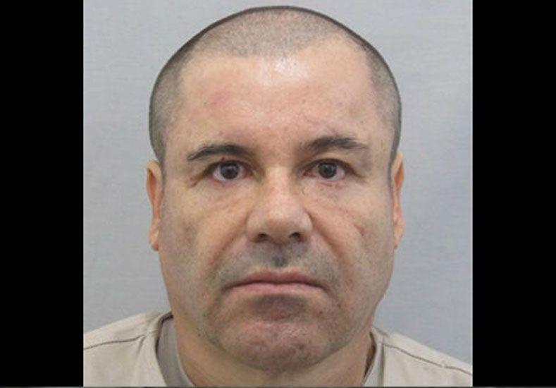 Joaquín El Chapo Guzmán escapó otra vez bajo tierra, pero cayó en la carretera