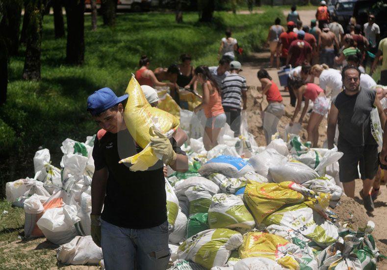 Convocan a jóvenes que quieran brindar ayuda en zonas anegadas