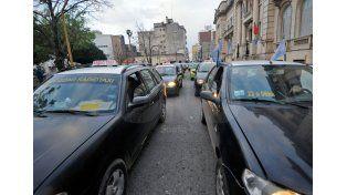 Marchas. El año pasado los taxistas se manifestaron varias veces frente al Ministerio de Seguridad.UNO de Santa Fe/Mauricio Centurión