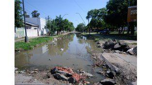 Una laguna. Así está la calle Padre Quiroga
