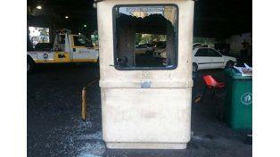 Como Bombita Darín: la grúa le llevó el auto, rompió todo y fue detenido