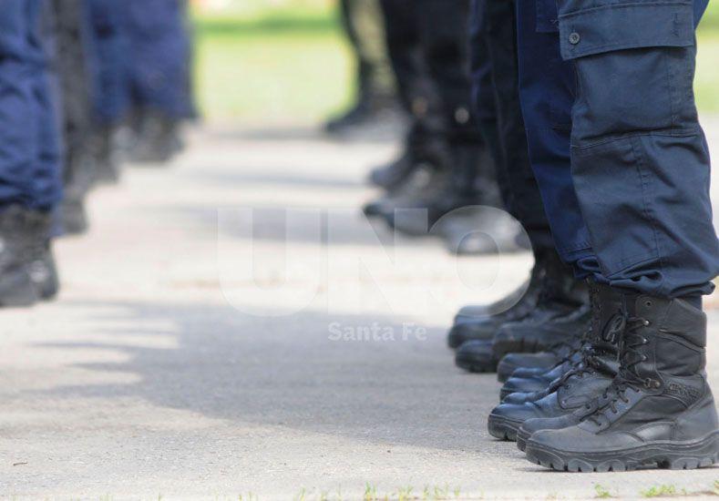 Pullaro: Necesitamos que los policías salgan de las oficinas y vayan a patrullar