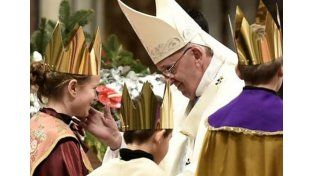¿Qué enseñan los pastores de Belén y los Reyes Magos? El Papa responde en el Ángelus