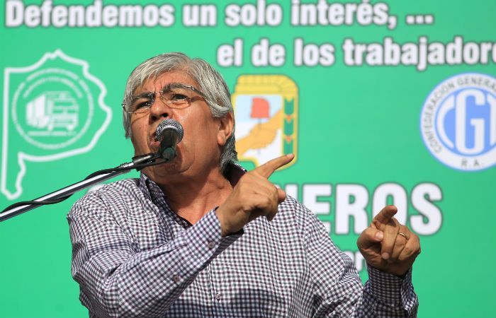 Moyano afirmó que las expresiones de Prat Gay son una forma de pretender limitar la discusión salarial.