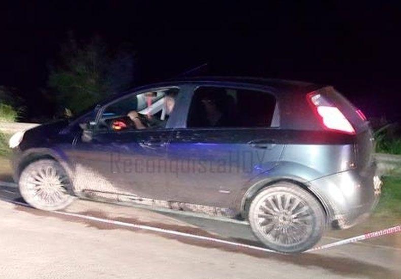 El auto abandonado por los delincuentes./ gentileza ReconquistaHoy.