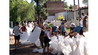 Así se realizaban los trabajos en la mañana de este martes en Rincón./ gentileza: Municipalidad de Rincón.
