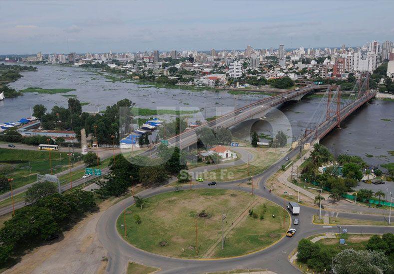 Así se puede ver la crecida del Paraná este lunes por la mañana. /Manuel Testi.