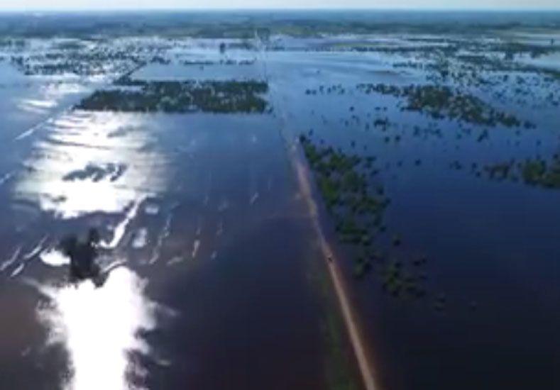 La crecida del río Paraná vista desde el aire