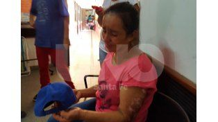 Dolor. La madre de la menor muerta el día que su hija recibió el disparo en la cabeza.