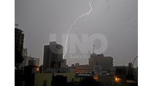 Rige un alerta meteorológico por tormentas fuertes que incluye a la ciudad de Santa Fe
