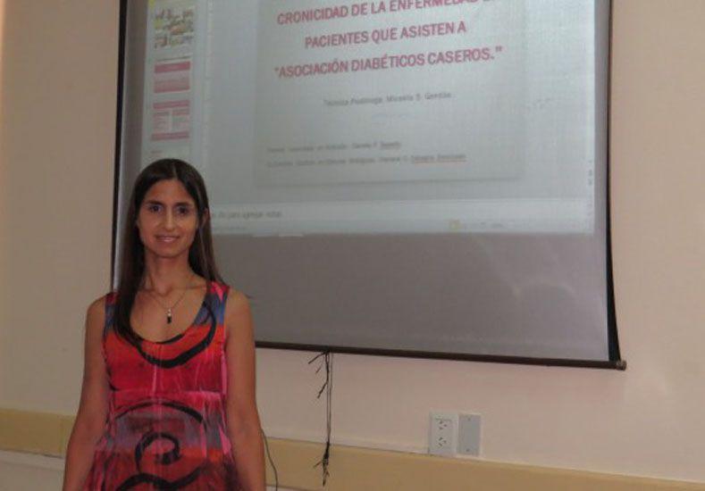 Micaela realizó la primera defensa oral del Trabajo Final Integrador de la Licenciatura.