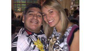 El festejo navideño de Maradona, a pura cumbia con Los de Fuego