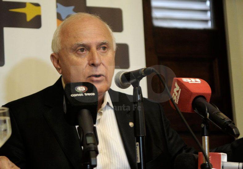 La primera. El gobernador brindó ayer una conferencia de prensa en Casa de Gobierno. UNO de Santa Fe/Juan M. Baialardo