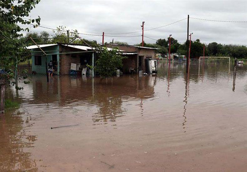 Bajo agua. El Chaco es la provincia más perjudicada por la crecida. Solo en la Isla del Cerrito hay más de 2.500 evacuados.