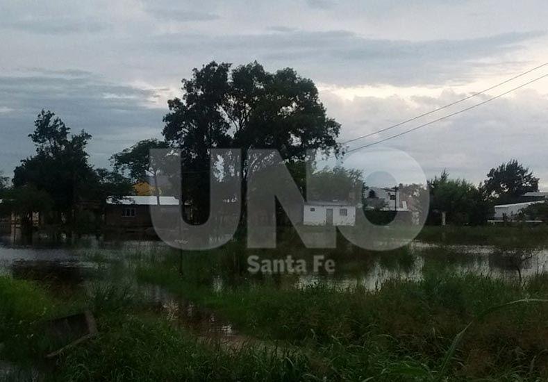 Arroyo Leyes. Algunas casas ubicadas en el Km 21 sufren las consecuencias de la crecida.