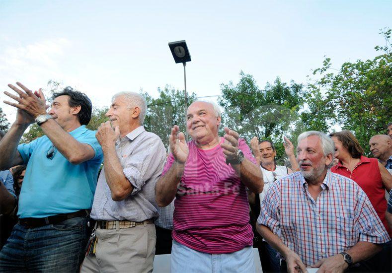 Los flamantes directivos llevan adelante intensas gestiones para cumplir con el pedido del técnico / Foto: Mauricio Centurión - Uno Santa Fe