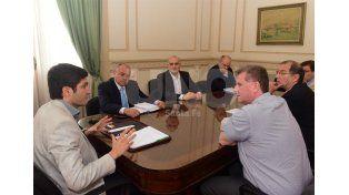 Pullaro durante el encuentro con autoridades nacionales.