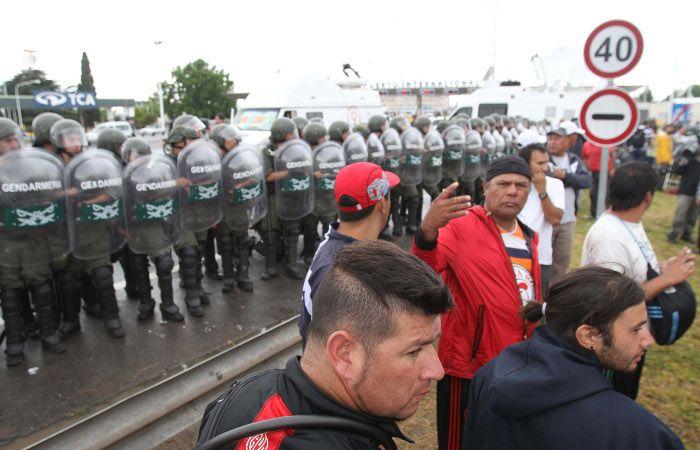 Gendarmería desalojó el piquete de Cresta Roja en la Ricchieri tras varios incidentes