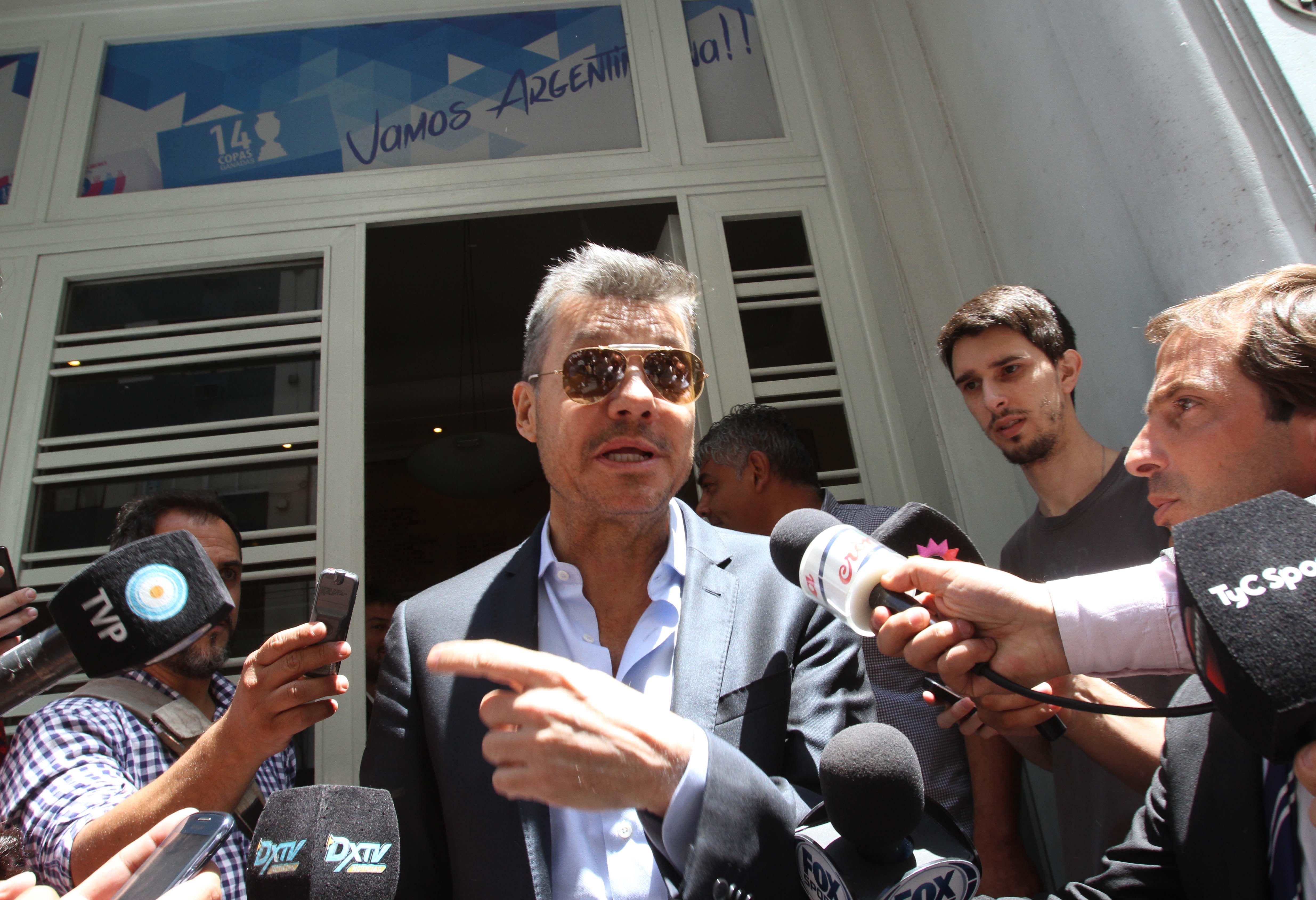 Tinelli dijo que San Lorenzo pedirá la expropiación de las tierras que ocupa Carrefour
