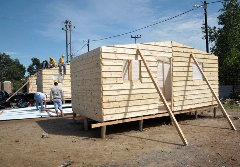 Emergencia. Los primeros módulos se construyen en un predio cercano a la Vuelta del Paraguayo / Foto: Gentileza Municipalidad de Santa Fe
