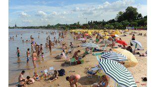 Menos sol. Vista del balneario La Florida el verano pasado. Habrá régimen mayor de lluvias y de días nublados.