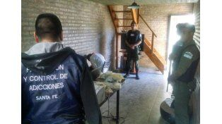 Gendarmería detuvo a tres hombres que comercializaban droga al menudeo