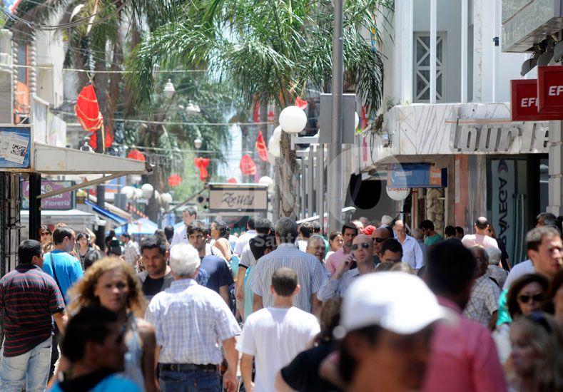 Los jueves 24 y 31, el comercio santafesino trabajará de corrido hasta las 18.30