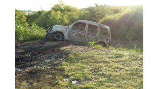 La camioneta encontrada en la zona del Gada./ gentileza LT10 @Veroenesinas.