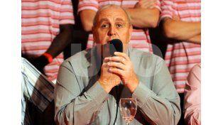 Luis Spahn volvió a tener una charla con el DT y aclaró todo respecto a los rumores sobre la ida de Madelón. Foto: Mauricio Centurión / Diario UNO Santa Fe