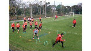 El plantel de River en uno de los entrenamientos en Japón.